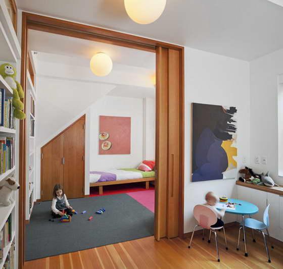 Раздвижные двери в детской