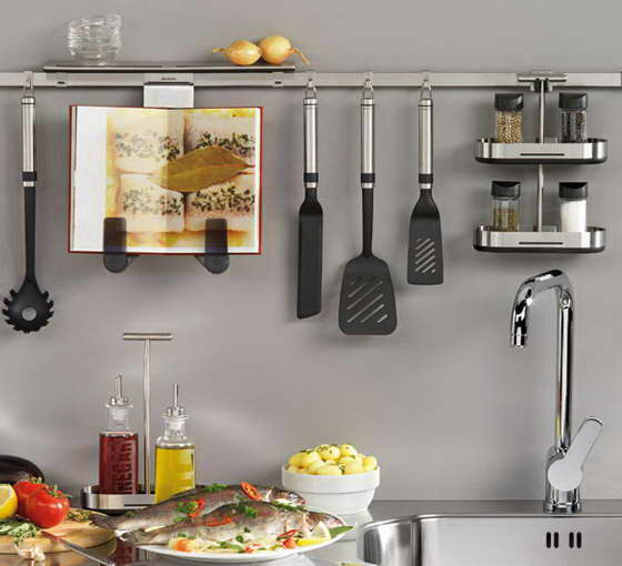 Рейлинг на кухне в интерьере