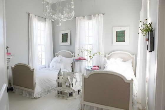 Cочетание цветов в интерьере детской комнаты белый и бежевый