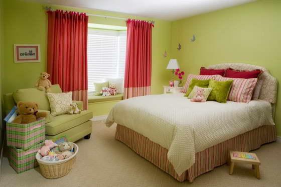 Интерьер детской комнаты в зелёном цвете