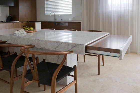 дизайн современной светлой кухни