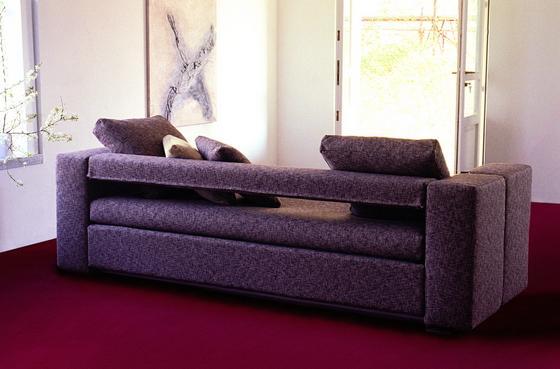Необыкновенный диван