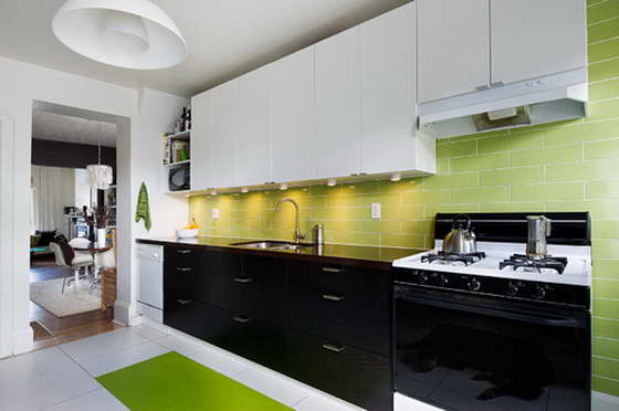 рабочий треугольник на кухне photo