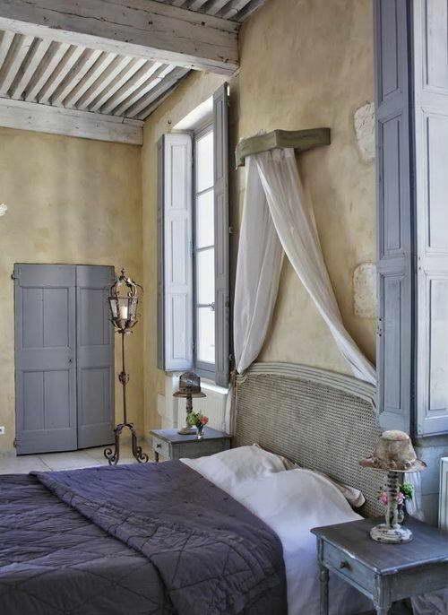 интерьер в стиле прованс в деревянном доме