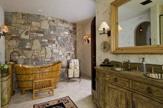 Деревянная ванна в интерьере ванной комнаты